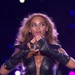 Beyoncé – Pyramid Sign Super Bowl 2013