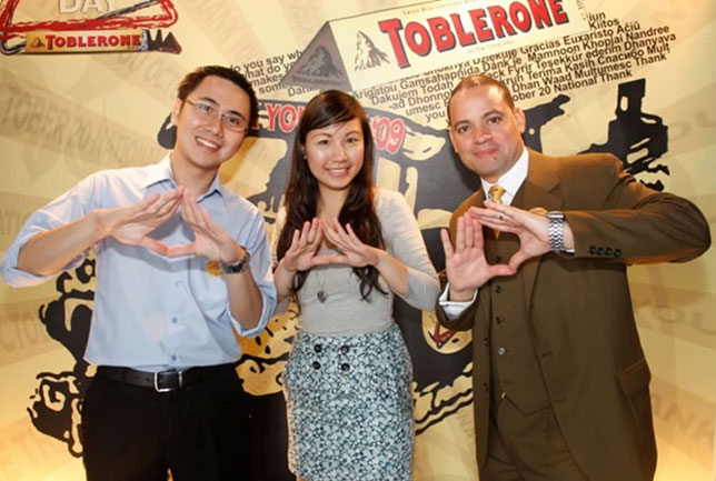 illuminati sign toblerone pyramid