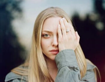 illuminati signs hidden eye Amanda Seyfried