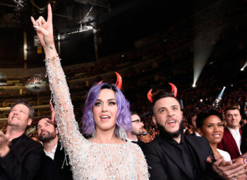 illuminati signs katy perry devils horns