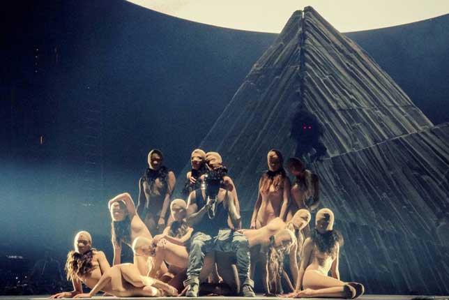 kanye-west-yeezus-tour-illuminati